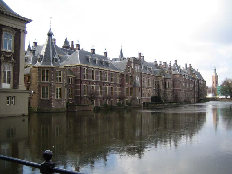 Den Haag   s u00eddlo mezin u00e1rodn u00edch organizac u00ed   Holandsko   SLAN tour