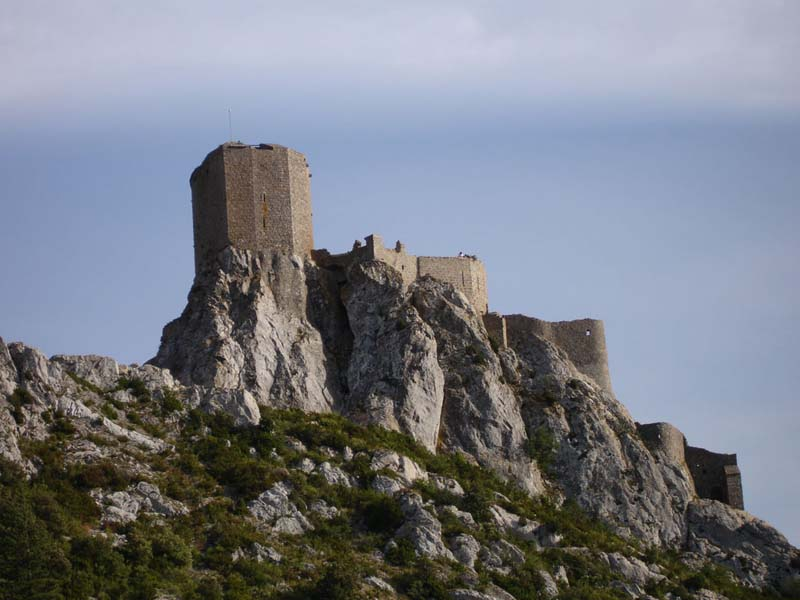 Katarské hrady - hrad Queribus