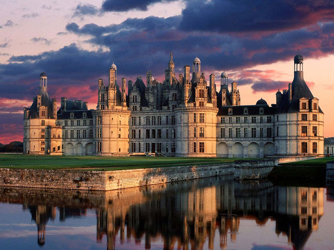 Chateau_de_Chambord_Castle_Loire_Valley