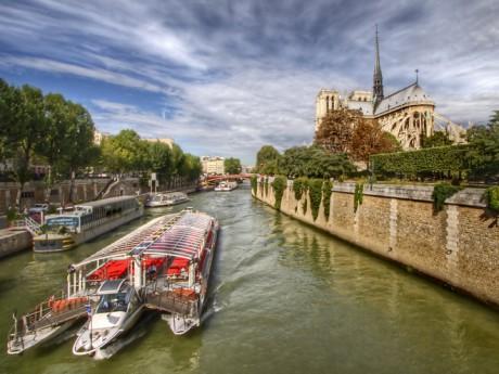 Paříž - loď na Seině