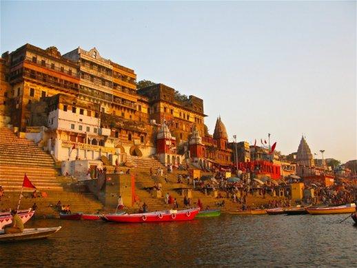 Varanasi - ghaty na břehu Gangy