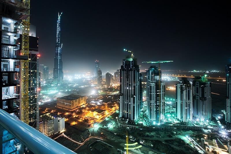 Dubai v noci -