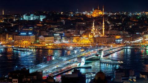 Istanbul - v noci