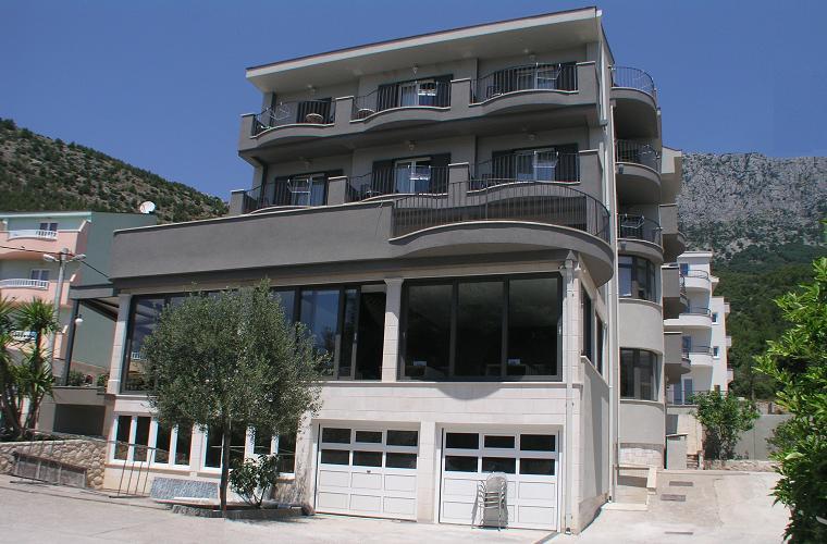 Hotel Ivando - celkový pohled