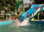 Horné Saliby, bazén v areálu