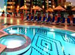 Hotel Towers Rotana - bazén