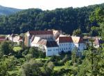 Zlatá Koruna, klášter
