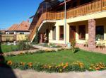 Villa Lux, Velk� Meder