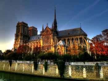 Paříž - metropole umění (letecky)