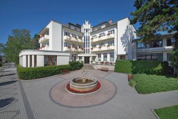 Lázně Bělohrad, hotel Grand