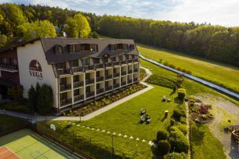 Hotel Vega, Luhačovice, Letní osvěžení na 4 noci