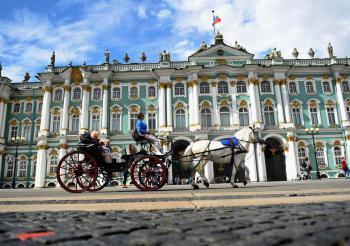 Velikonoce v Petrohradu, letecky