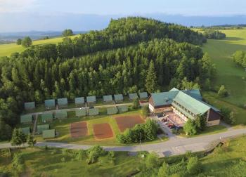 Hotel Paramon, Suchá Rudná, poloha v krajině