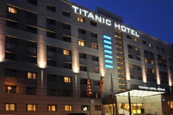 Hotel Titanic 3*, Berlín, vlakem