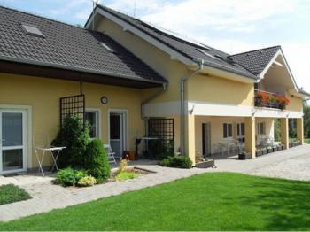 Apartmány Euro (Cig), Podhájska