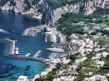 Capri, ostrov v Neapolském zálivu