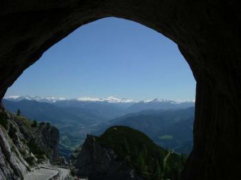 jeskyně Eisriesenwelt - výhled z jeskyně