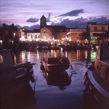 Vodice - noční přístav
