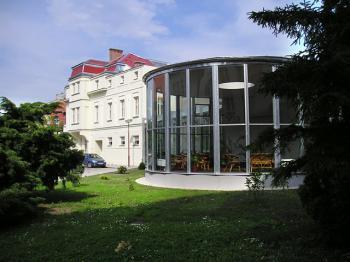 Lázně Poděbrady, hotely Zimní Lázně***, Libuše***