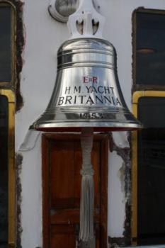 Britannia, palubní zvon na královské jachtě v Edinburghu