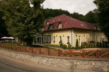 Parkhotel Na Baračke, Trenčianské Teplice