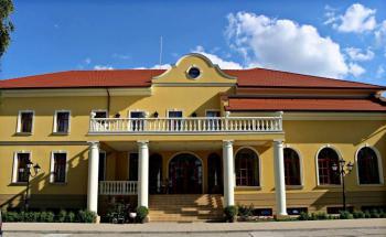 Hotel Plauter Kuria, Velký Meder, Seniorský pobyt na 6 nocí